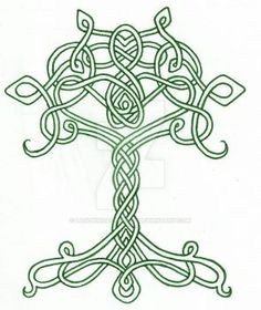 This striking Celtic Tree of Life Platter is artistically designed with the tree of life, Celtic knotwork around the edge and gorgeous Celtic knot handles. Celtic Quilt, Celtic Circle, Celtic Tree Of Life, Celtic Symbols, Celtic Art, Celtic Knots, Culture Art, Celtic Knot Designs, Celtic Patterns