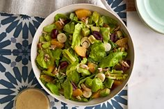 Need a make-ahead salad recipe for an upcoming party? This Mediterranean Bean Salad is worth a try. Prepare this bean salad ahead of time, then toss in the cheese before serving - how's that for effortless entertaining? Bean Salad Recipes, Chicken Salad Recipes, Healthy Recipes, Avocado Dressing, Avocado Salad, Make Ahead Salads, Recipe Please, Cooking Instructions, Sliced Almonds
