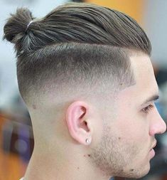 great Ponytail Hairstyles for Men 2018 Ponytail Hairstyles great Hairstyles men Ponytail Ponytail Hairstyles For Men, Man Ponytail, Undercut Hairstyles, Popular Haircuts, Haircuts For Men, Undercut Long Hair, Hair Cutting Techniques, Men Hair Color, Short Hair Styles