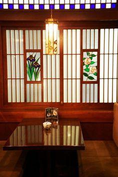 大正ロマンが感じられるステキなカフェ - NAVER まとめ Japanese Door, Japanese Style House, Japanese Modern, Japanese Landscape, Japanese Interior, Japanese Architecture, Ceiling Painting, Work Images, Cafe Shop