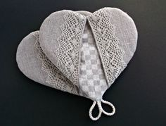 Heart shaped oven mitt with linen lace Handmade wedding gift Natural linen grey and checkered fabric kithchen glove quilted insulated