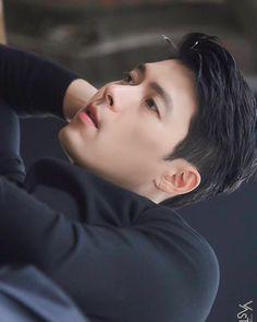 Hyun Bin, Lee Hyun, Drama Korea, Korean Drama, Parejas Goals Tumblr, Handsome Korean Actors, Song Joong Ki, Cute Actors, Kdrama Actors