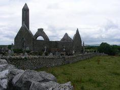 Ireland. Co. Clare. Kilmacduagh monastery.
