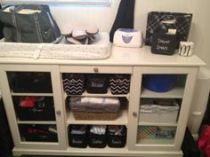 Changing table organized with personalized Thirty-One products. Changing Table Organization, Thirty One Organization, Bag Organization, Bedroom Organization, Organizing, Thirty One Baby, Thirty One Gifts, 31 Party, Thirty One Business