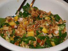 Maaltijdsalade Mango, Avocado, Gerookte Kip En Meer... recept | Smulweb.nl