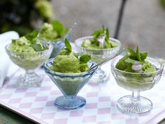 Leilas glass på gröna ärtor | Recept från Köket.se