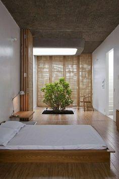 Japanese style bedroom interior wood floor Bonsai tree minimalist bedroom ideas folding partition wall