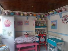 A Cupcake Kitchen For Cupcake Lovers - Cupcakes Take The Cake