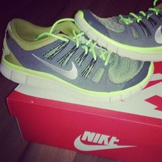 Fitness of sports shoes, men and women with money, surprise discount, cheap shoes! Cheap Sneakers, Nike Shoes Cheap, Nike Free Shoes, Running Shoes Nike, Sneakers Nike, Cheap Nike, Nike Free Runs For Women, Nike Women, Tiffany Blue Nikes