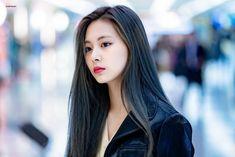 Welcome to twicepictures. Your daily source for pictures of twice Nayeon, Tzuyu Body, Twice Tzuyu, Chou Tzu Yu, Wattpad, Vogue Covers, Korean Girl Groups, Kpop Girls, Girl Power
