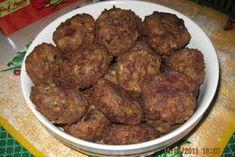 Parjoale moldovenesti Hungarian Recipes, Romanian Recipes, Ground Meat Recipes, Good Food, Yummy Food, Romanian Food, 30 Minute Meals, Saveur, Food To Make