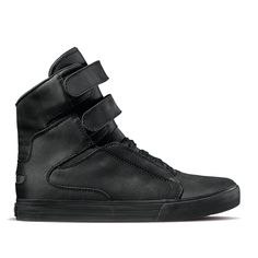 The Society II represents extaordinary high top design with two Velcro straps on a classic vulcanized sole. Extra comfort and a snug fit is provided by a padded mesh lining, internal lace ghillies, and a neoprene bootie in the tongue and toe box.