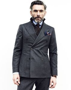 Winter double-breasted with sweatshirt. Modern Gentleman, Gentleman Style, Fashion 101, Mens Fashion, Fall Fashion, Style Fashion, Dapper Men, Sharp Dressed Man, Men Street