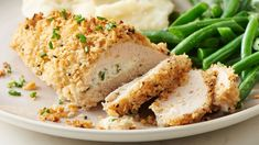 Make it KETO bu using crushed pork rinds in place of panko bread crumbs. Transform your chicken breasts into a weeknight dinner winner with a little help from chive & onion cream cheese and everything bagel seasoning. New Recipes, Dinner Recipes, Cooking Recipes, Favorite Recipes, Recipies, Flour Recipes, Entree Recipes, Cooking Tips, Easy Recipes