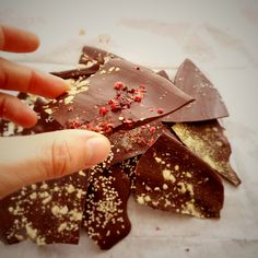 "DIY christmas gifts: ""jeweled"" chocolate @ mytinygreenkitchen.com"
