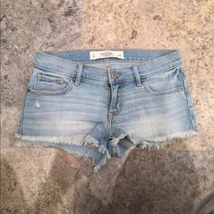 NWOT Abercrombie & Fitch shorts NWOT Abercrombie & Fitch light wash shorts. Size 0/25.                                                      ❌PRICE IS FIRM❌   I DO BUNDLE DISCOUNTS! LET ME KNOW AND I CAN CREATE A LISTING FOR YOU & SAVE ON SHIPPING FEES  ✈️  I SHIP FAST!✈️ Abercrombie & Fitch Shorts Jean Shorts
