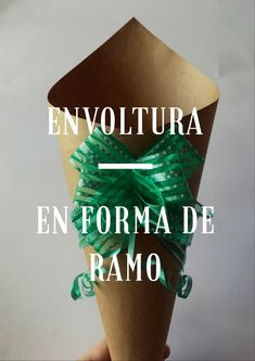 Envoltura de forma de ramo hecho con papel kraf Calm, Artwork, Creative Crafts, So Done, Shapes, Paper Envelopes, Creativity, Art Work, Work Of Art