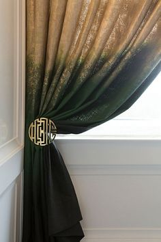 """dip-dyed linen ombre drapes w/ brass button """"tie-back"""" - Master Bathroom // San Francisco Decorator Showcase // Tineke Triggs Ombre Curtains, Linen Curtains, Curtains With Blinds, Drapery, Window Curtains, Curtain Styles, Curtain Designs, Curtain Accessories, Interior Decorating"""