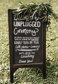 Unplugged ceremony wedding signage | Image by Eastlyn Bright