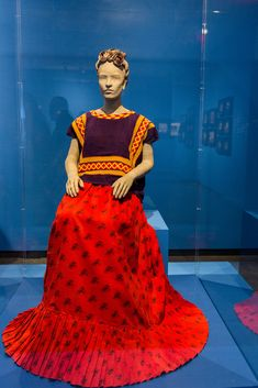 Mexico Costume, Frida Kahlo Exhibit, Frida Kahlo Portraits, Frida And Diego, Mexican Textiles, Dashiki, Woman Crush, Creative Inspiration, My Images