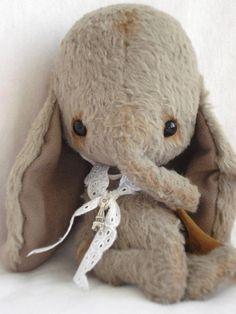 Items similar to Petit éléphant, commander vos, dans la couleur que vous voulez…
