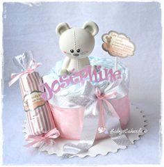 Un gâteau de couches pour souhaiter la bienvenue à une petite souris qui porte le même prénom que la star des berceaux.