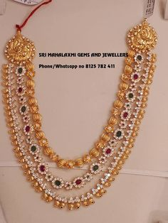 Looking for Gold layered necklace designs? Here are our picks of 20 designs and where you can shop them online! Gold Earrings Designs, Necklace Designs, Gold Designs, Chandraharam Designs, Blouse Designs, Gold Jewelry Simple, Gold Jewellery, Tanishq Jewellery, Jewellery Shops