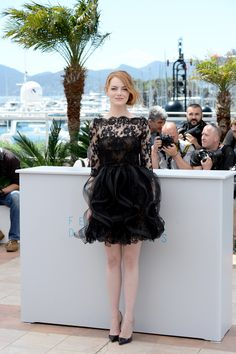 Emma Stone in Oscar de la Renta and patent leather degrade Christian Louboutin 'Pigalle Follies' pumps.