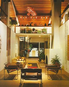 Houses Architects Live In Interior Design - All About Decoration 1970s Interior, Retro Interior Design, Mid-century Interior, Interior Architecture, Interior Decorating, 1970s Decor, Retro Home Decor, Design Lounge, 1970s House