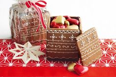 Create a fairytale Christmas for five loved ones with these crafty gingerbread boxes.