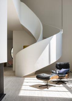 Villa Kaplansky | Frederik Vercruysse photographer. Eames Lounge Chair & Ottoman by Vitra