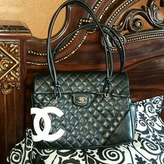 Chanel Cambon Flap Guaranteed authenticate by Carol Diva.  Considering  a trade for a authentic  Chanel  GST.  Will be very selective  in my trades. Must have  traded with you before or send yours first. Retail on this is 3800 Chanel  Bags