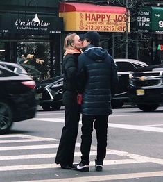 """𝔬𝔩𝔦𝔳𝔦𝔞 on Twitter: """"thinking about them… """" Lily Rose Depp Style, Lily Rose Melody Depp, Couple Goals Relationships, Relationship Goals, No Seas Mamon, Cosmic Girl, Timmy T, The Love Club, Couple Aesthetic"""
