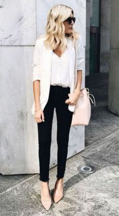 Business Casual Outfit Ideas For Work Take a look at these chic business casual outfit ideas!Take a look at these chic business casual outfit ideas! Casual Work Outfits, Work Attire, Work Casual, Casual Chic, Professional Work Outfits, Fall Outfits, Spring Work Outfits, Work Outfits Office, Chic Outfits