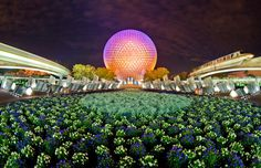 Epcot - SPACESHIP EARTH WITH MONORAIL