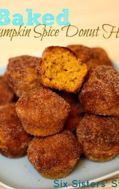 Six Sisters' Stuff: Baked Pumpkin Spice Donut Holes. These are like our Hanukkah ones, but with pumpkin! Baked Pumpkin, Pumpkin Recipes, Fall Recipes, Pumpkin Spice, Holiday Recipes, Healthy Pumpkin, Yummy Recipes, Recipies, Spiced Pumpkin