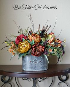 If you are having difficulty making a decision about a home decorating theme, tuscan style is a great home decorating idea. Many homeowners are attracted to the tuscan style because it combines sub… Rustic Flower Arrangements, Faux Flower Arrangements, Beautiful Flower Arrangements, Rustic Flowers, Table Flowers, Floral Centerpieces, Faux Flowers, Silk Flowers, Flowers Garden