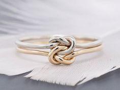 Bague en or 14k, bague de fiançailles, anneau de promesse, bague de mariage, anneau à nœud double, anneau en or massif, calibre 16 par TDNCreations sur Etsy www.etsy.com/...