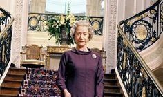 Netflix plans £100m epic on the Queen. http://www.theguardian.com/media/2014/may/23/netflix-epic-the-queen-crown-peter-morgan