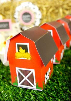 Printable Barnyard Birthday Party Favor Boxes in the shape of red barns! Happy Birthday Tag, Farm Birthday, 1st Birthday Parties, Birthday Cakes, Birthday Ideas, Farm Animal Party, Barnyard Party, Party Icon, Party Kit