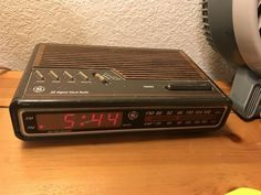 """Walking into your parent's room and seeing the world's oldest alarm clock: 27 Pictures That Will Make You Say """"I Completely Forgot About That"""" 90s Childhood, Childhood Memories, Newcastle, Emission Tv, Old Commercials, Ol Days, 90s Kids, The Good Old Days, Best Memories"""