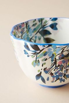 ceramic cafe Demure, handpainted florals elevate this classic collection that's worthy of contemporary and traditional kitchens alike. Pottery Bowls, Ceramic Pottery, Painted Pottery, Ceramic Painting, Ceramic Art, Pottery Painting Ideas, Pottery Designs, Hand Painted Ceramics, Painted Porcelain