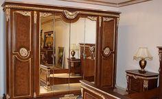 Dünyaca ünlü homelife cila tarzı ile boyanan takım, klasik mobilyanın yılların eskitemediği rengine sahip. http://www.asortie.com/yatak-odasi-137-Defne-Klasik-Yatak-Odasi