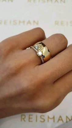 Western Wedding Rings, Stacked Wedding Rings, Beautiful Wedding Rings, Engagement Rings Couple, Engagement Ring Cuts, Designer Engagement Rings, Simple Ring Design, Cartier Wedding Rings, Wedding Ring Styles
