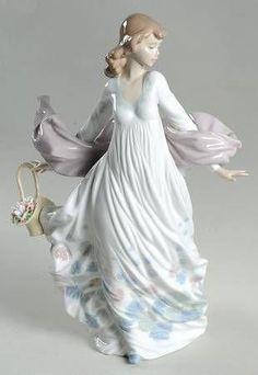 Porcelain Jewelry, China Porcelain, Painted Porcelain, Porcelain Tile, Vases, Porcelain Dolls Value, Beautiful Figure, Art Nouveau, Sculptures