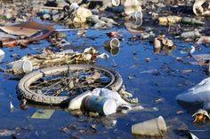 Река Сарно – #Италия #Кампания (#IT_72) Может, Европа и не так сильно пострадала от финансового кризиса, как расписывают по зомбо-ящику. Но в плане экологии там точно не все в порядке. В то время пока дотошные немцы сортируют мусор по нескольким разным ящикам, а голландцы скрупулезно выгребают шлам со дна своих водоемов, ленивые итальянцы превратили одну из своих рек в грязнейшую в Европе. А речушка-то не в озерцо какое-нибудь впадает, а несет всякую дрянь прямиком в Средиземное море…