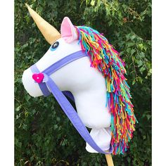 Handmade white unicorn Hobby Horse with rainbow mane - Organspende Zitate Unicorn Birthday, Unicorn Party, Crafts To Do, Felt Crafts, Unicorn Hobby Horse, Childrens Cushions, Horse Mask, Stick Horses, Unicorn Pillow