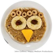 Not exactly a lesson - but a good companion piece to studying about owls. Peanut Butter Owl Snack on English Muffin - National Wildlife Federation Toddler Meals, Kids Meals, Bento Recipes, Kid Recipes, Healthy Recipes, Owl Snacks, Cute Food, Good Food, Preschool Snacks