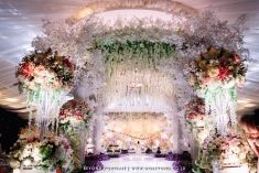 Majestic flowers decoration for your indoor wedding inspiration | Project by Dawid Daud Decoration http://www.bridestory.com/dawid-daud-decoration/projects/wedding-decoration1432608932
