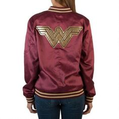 Wonder Woman Bombshell Bomber Jacket-reminds me of my school jacket which is still have, although it is so worn. Wonder Woman Movie, Wonder Woman Logo, Fandom Fashion, Geek Fashion, Moda Geek, Satin Jackets, Jackets For Women, Clothes For Women, Wonder Women